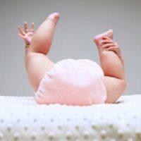 Почему новорожденный редко какает